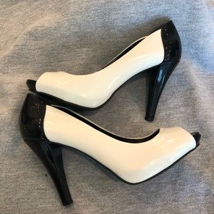 Style & Co Shoes - Style & Co Black and White Peep Toe Pumps